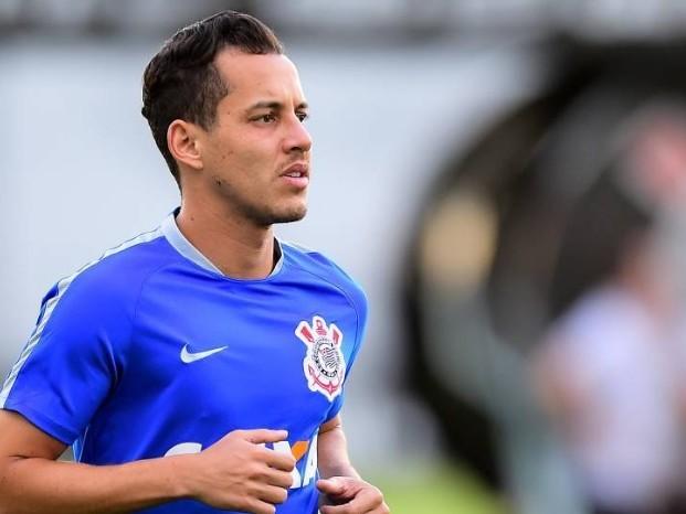 """Presidente diz que """"faltam detalhes"""" para Cruzeiro anunciar Rodriguinho"""