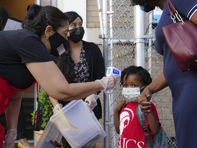 Covid-19: Com mais 335 mortes em 24h, Brasil atinge 141.741 óbitos, diz Ministério da Saúde