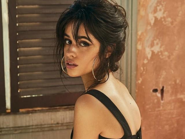 "Acabou pra você, ""She Loves Control""! Parece que o novo single de Camila Cabello é ""Consequences"""