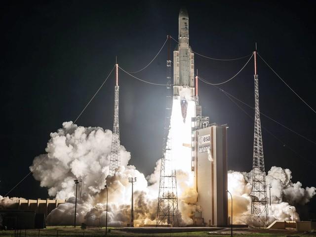 Disputa sobre satélite põe na berlinda promessas de banda larga do governo