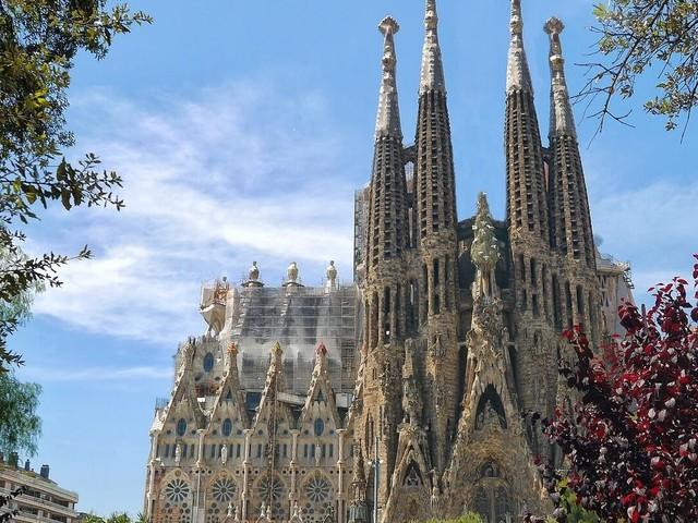 3 em 1 na Europa! Barcelona, Paris e Amsterdã na mesma viagem a partir de R$ 2.317, voando Air France/KLM!