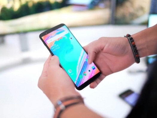 Brecha expõe 40 mil clientes da OnePlus e seus dados de cartão de crédito