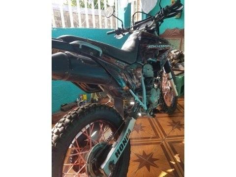 Moto Honda Tornado XR 250