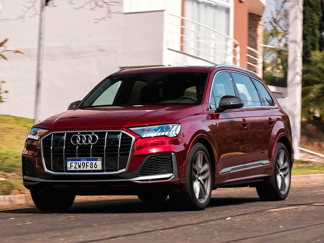 Novo Audi Q7 leva sete ocupantes e parte de R$ 414.990