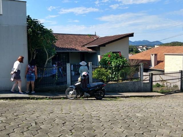 Corpo de mulher é encontrado em Blumenau; polícia suspeita de feminicídio