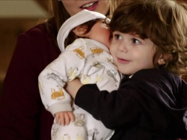 'O Maravilhoso Mundo dos Bebês': eles são capazes de trabalhar em equipe?