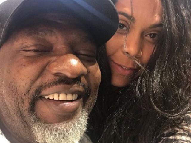 """Viúva de MC Catra relembra foto com o funkeiro e diz: """"Saudades eternas"""""""