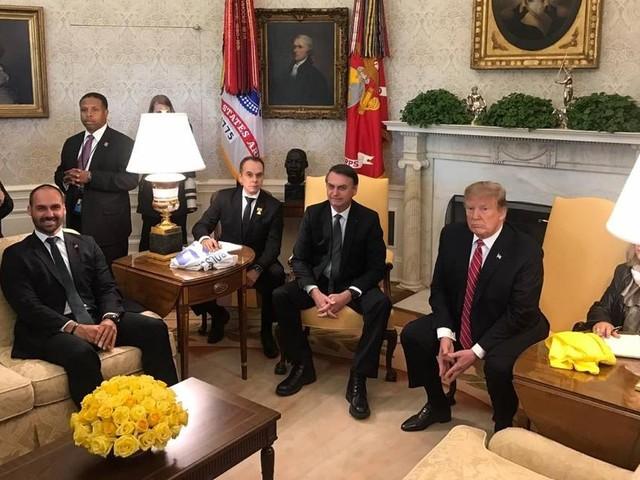 Filho, e não chanceler, acompanhou Bolsonaro em encontro com Trump