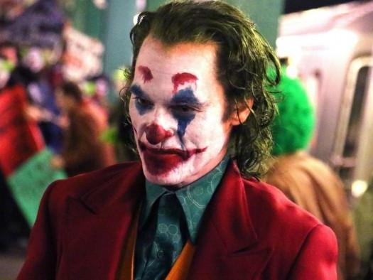 Coringa | Filme com Joaquin Phoenix ganha novos cartazes oficiais