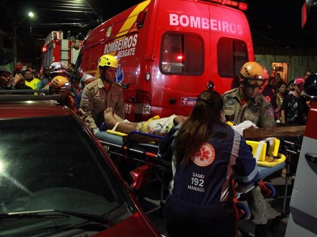 Seis pessoas ficam feridas após carro invadir casa na Zona Oeste de Manaus