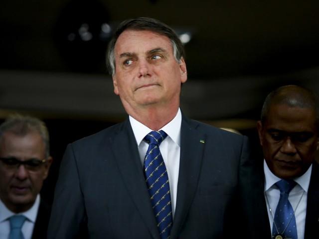 Bolsonaro sugere ficar mais de oito anos no poder