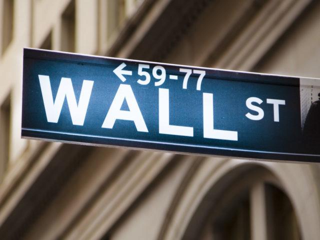"""Escalar da tensão comercial entre EUA e China deixa Wall Street """"no vermelho"""""""