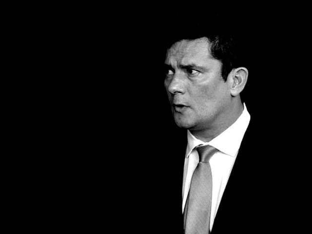 Dallagnol suspeitava que Moro não investigaria Flávio Bolsonaro, revelam mensagens