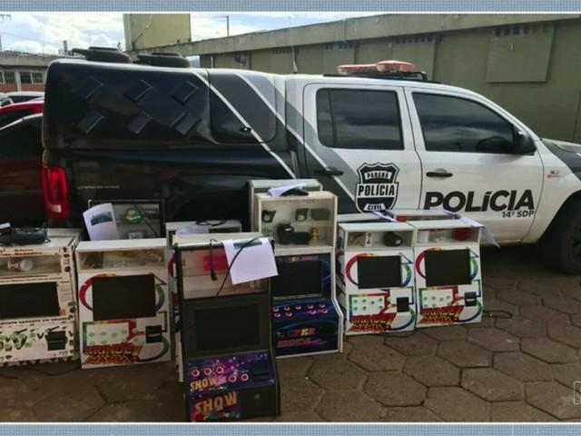 Polícia Civil apreende 14 máquinas caça-níqueis em estabelecimentos de Guarapuava