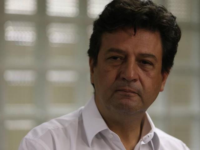 Não adianta vacinar aleatoriamente, diz ministro da Saúde sobre sarampo
