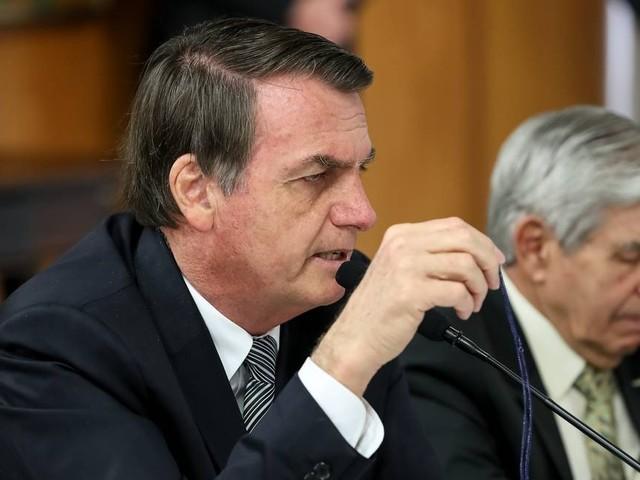 Bolsonaro critica multa de 40% sobre FGTS e diz que ela atrapalha emprego