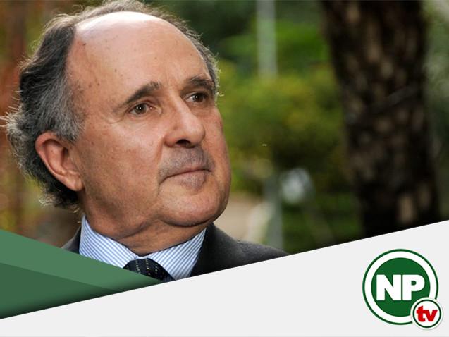 Senador Cristovam Buarque é chamado de golpista na UFMG