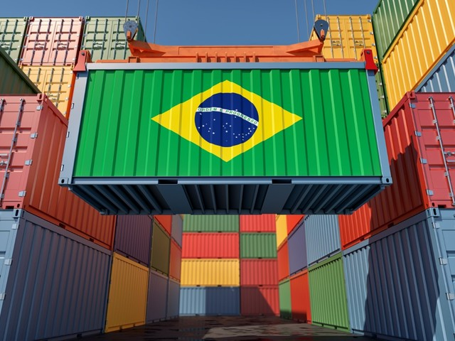 More than 70% of Brazilian companies suffer from lack of containers and ships -survey