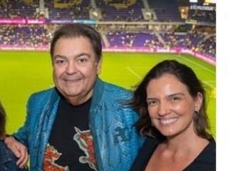 Faustão surge com a esposa após deixar a Globo e repercute por conta de aparição em evento