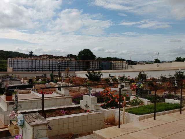 Cemitérios de várias cidades mineiras estão à beira da lotação máxima