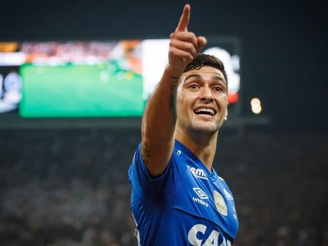 Flamengo acerta vinda de Arrascaeta por R$ 55,3 milhões em três parcelas