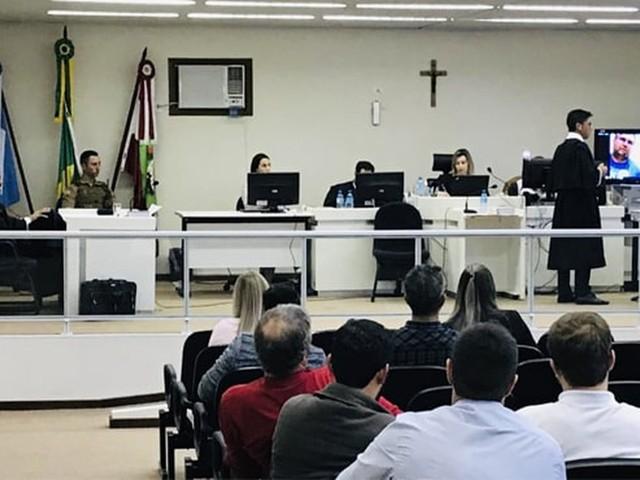 Motorista vai a júri por atropelar mãe e filho em Videira