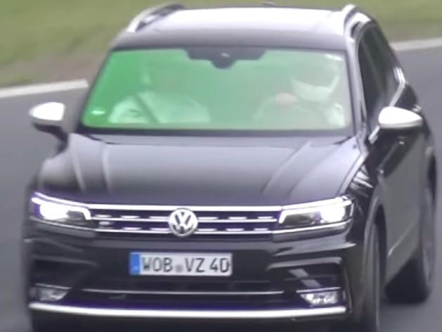 VW Tiguan R com motor 5 cilindros 2.5 Turbo em testes