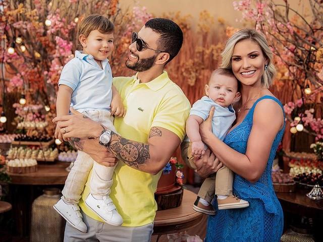 """Andressa Suita registra momento perigoso de filho e se apavora em vídeo: """"A mãe infarta"""""""