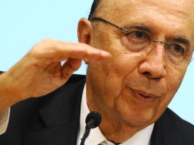 Nostalgia do eleitor ajuda petista, diz Meirelles