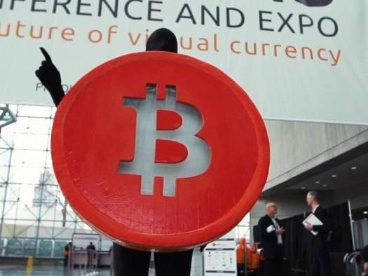 """Após quedas sucessivas, economistas voltam a falar em """"bolha de criptomoedas"""""""