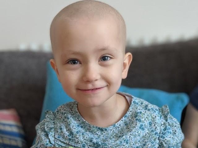 Beatriz precisa de 230 mil euros para tratamento que evita que cancro regresse
