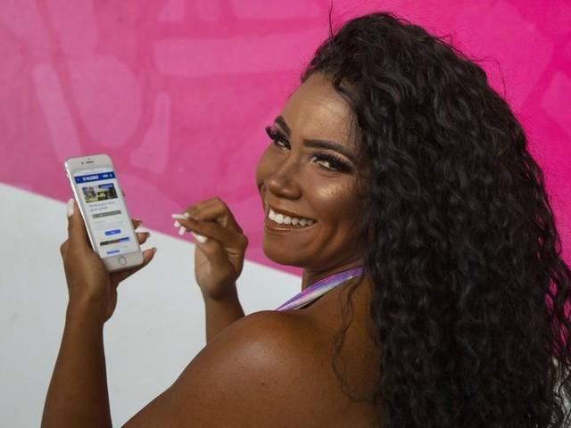 Portela assume liderança em enquete sobre melhor samba-enredo da década