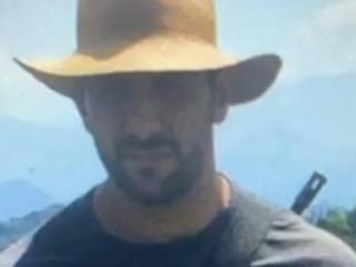 Morto na Bahia   Após análise fotográfica, perito da família de Adriano vê tiro à queima-roupa