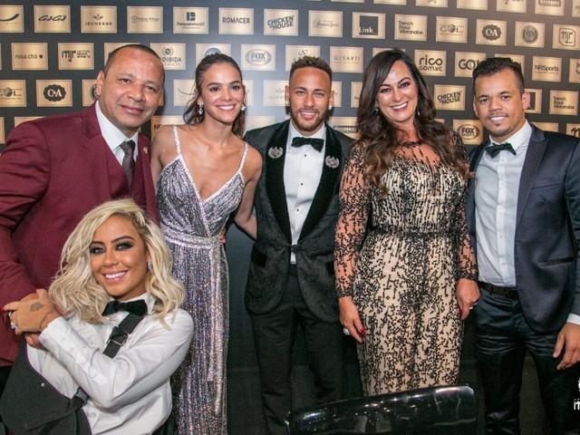 """Bruna parabeniza Neymar por leilão beneficente e """"olhar humano e amoroso"""""""