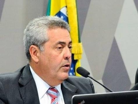 """Procurador lamenta salário de R$ 42 mil: """"dinheiro não chega ao fim do mês"""""""