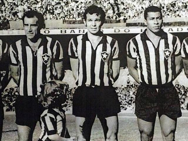 Botafogo entre o passado e o futuro...