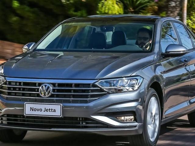 Bolsonaro libera livre-comércio de carros Brasil - México