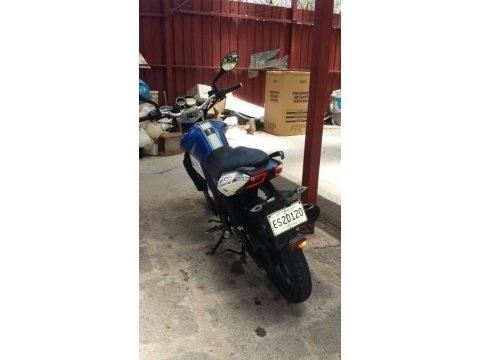 Moto Um Xtreet140 deportiva