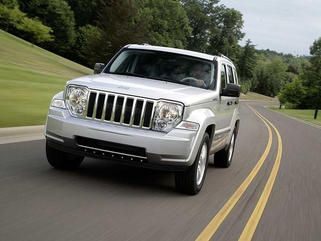 Jeep Cherokee é convocado para recall por falha eletrônica