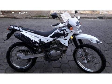 VENDO MOTO GENESIS GXT 200