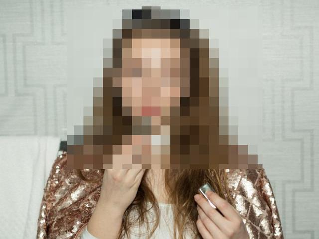 Famoso recém-separado é visto aos beijos com atriz e ex decide desmascará-lo