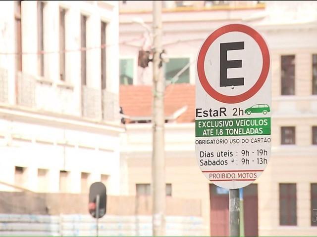 Projeto pretende fazer a prefeitura pagar por carros roubados em vagas de estacionamento regulamentado