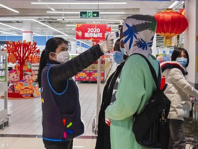 China enfrenta pior surto de covid-19 desde início da pandemia em Wuhan
