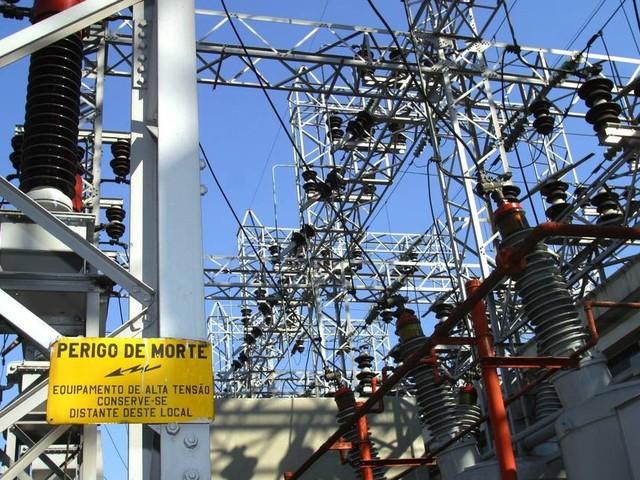 Duas gigantes europeias do setor de eletricidade disputam a Eletropaulo