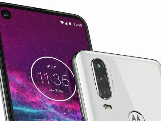 Motorola One Action vaza em imagens com câmera tripla e furo na tela