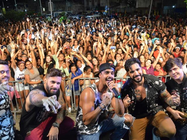 Galeria de fotos: Duas Medidas e Fernanda Abreu agitam Festival da Primavera em Salvador