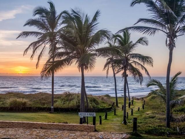 Férias All-Inclusive no Ceará! Pacotes para Beberibe com voos mais hospedagem a partir de R$ 1.199 por pessoa, em 10x!