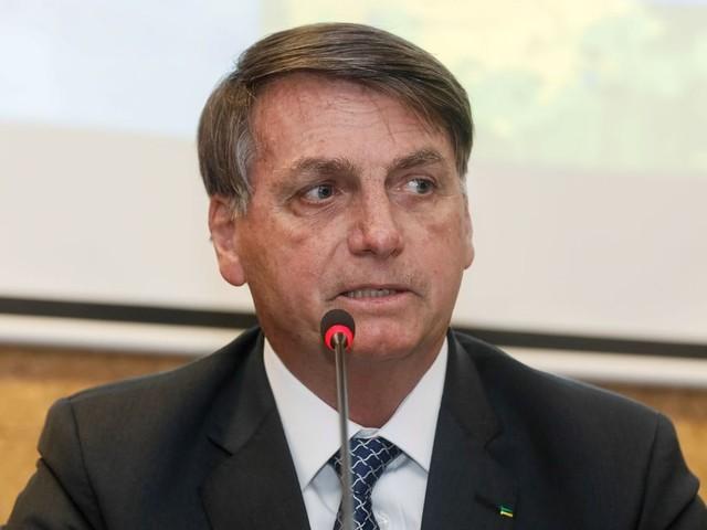 """Bolsonaro citou matéria do """"Valor"""" e pediu para que Moro tivesse a 'dignidade para se demitir'"""