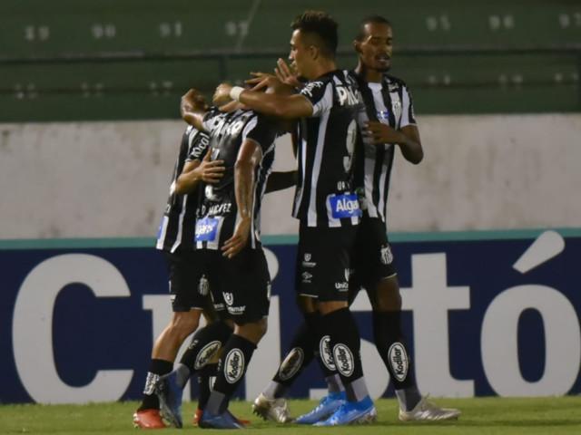Santos sofre, mas bate o Guarani com gol contra nos acréscimos