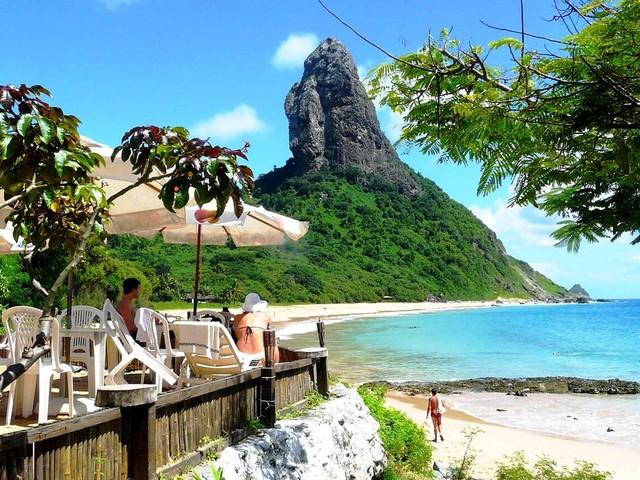 Passagens para Fernando de Noronha a partir de R$ 681 saindo do Recife, ou de R$ 968 de Curitiba e mais cidades!